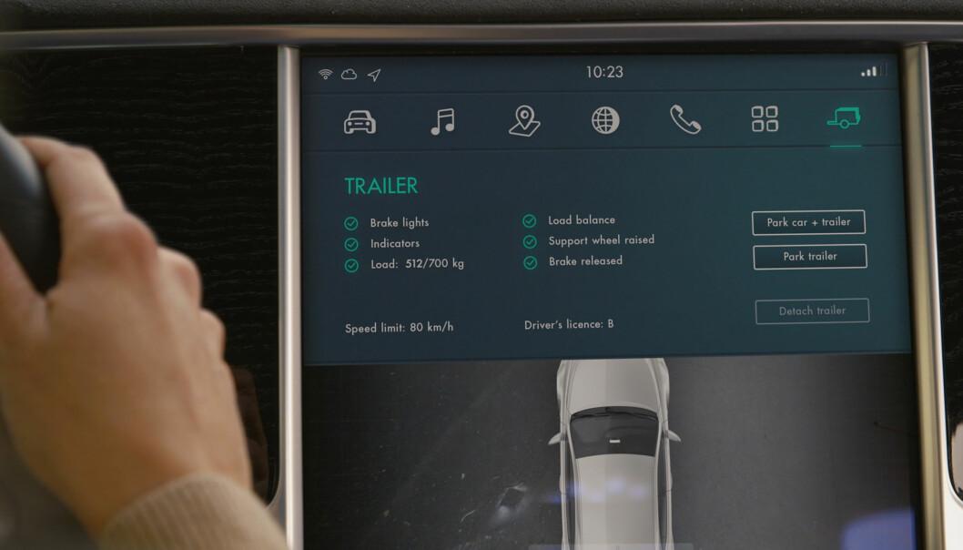 <strong>NYTTIG INFORMASJON:</strong> På skjermen inne i bilen får du informasjon om hengerens vekt, om lysene virker og så videre.