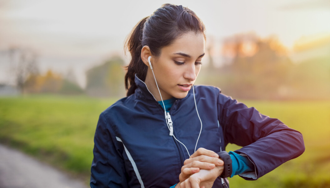 BÆRBAR TEKNOLOGI: Bærbar teknologi, som aktivitetsklokker, spås å bli stadig mer populært, og ligger på første plass på American College of Sports Medicins liste over treningstrender 2019. FOTO: NTB Scanpix