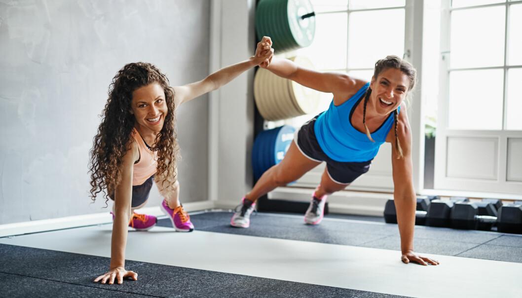 TRENING OG MENSEN: Å holde seg i aktivitet når man har mensen er bra for deg. FOTO: NTB Scanpix