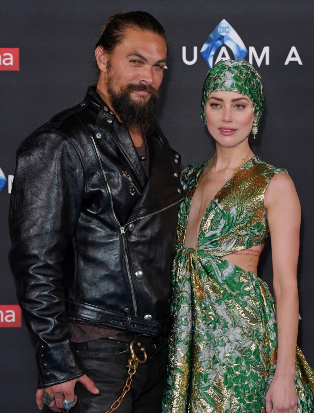 <strong>KONTRASTER:</strong> Skuespiller Jason Momoa gikk for et langt mer nedtonet antrekk enn sin «Aquaman»-kollega. FOTO: NTB Scanpix