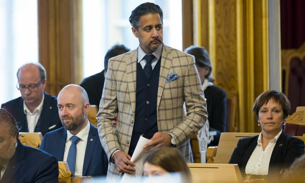 HÅPER PÅ ET ENDELIG PUNKTUM: Stortingsrepresentant Abid Raja (V) takker PST for god oppfølging - her under en spørretime på Stortinget tidligere i år. Foto: Heiko Junge, NTB Scanpix