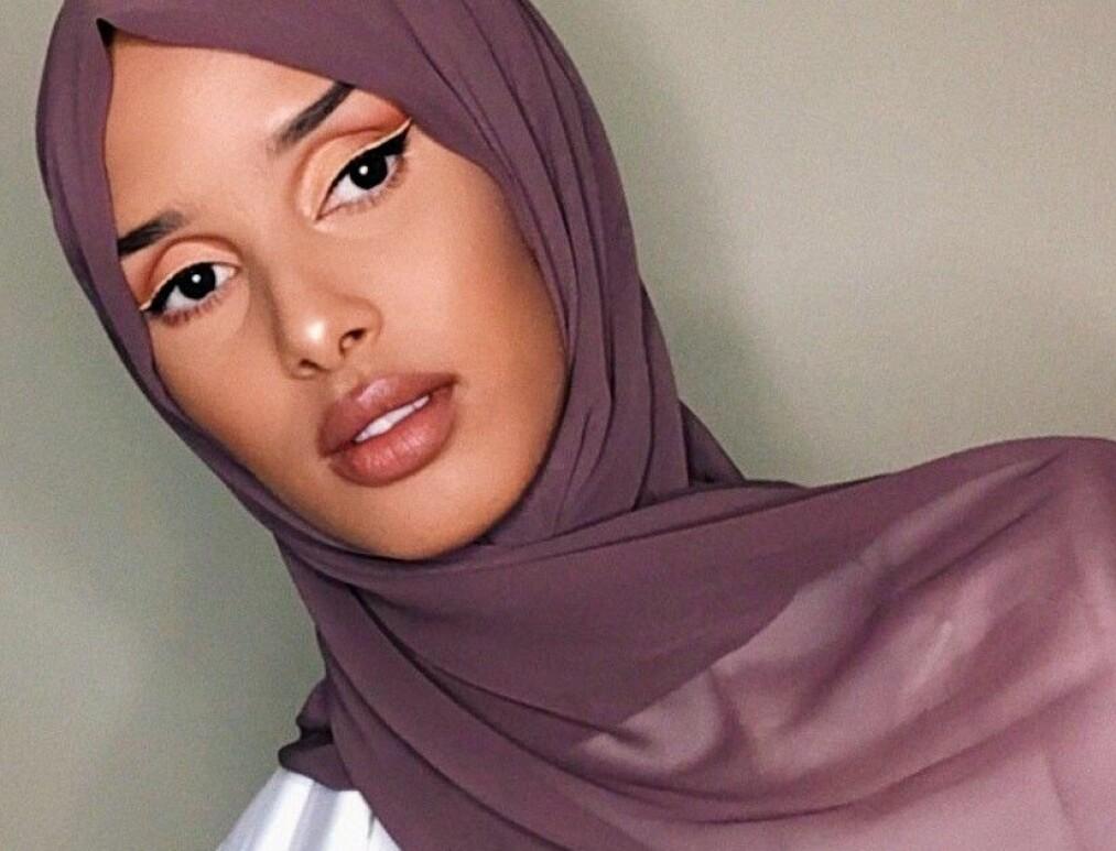 <strong>RAWDAH MOHAMED:</strong> Influenceren deler sine skjønnhetsrutiner med oss. Foto: Privat