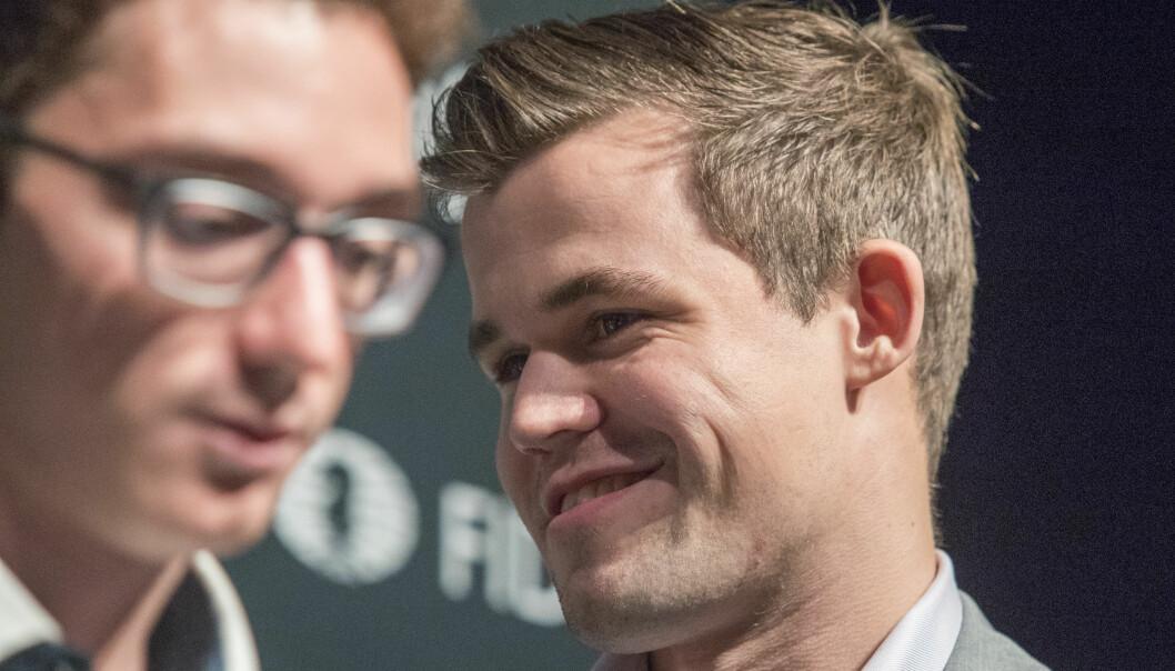 SUVEREN: Magnus Carlsen spilte briljant og knuste Fabiano Caruana i omspillet i sjakk-VM. Foto: Terje Bendiksby / NTB scanpix   Foto: Terje Bendiksby / NTB scanpix