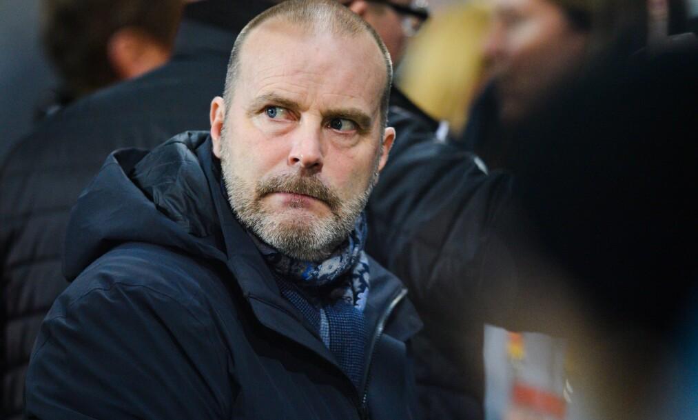 <strong>NOE STORT PÅ GANG:</strong> Sarpsborg-trener Geir Bakke ser muligheten for avansement fra gruppespillet i Europa League. Foto: Bildbyrån