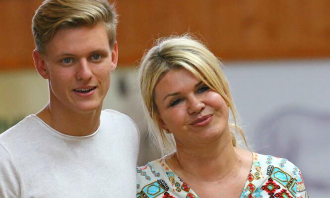 <strong>MOR OG SØNN:</strong> Mick og moren Corinna er blant de få som vet hvordan helsetilstanden til Michael Schumacher er. Her er de avbildet i 2017. Foto: NTB Scanpix