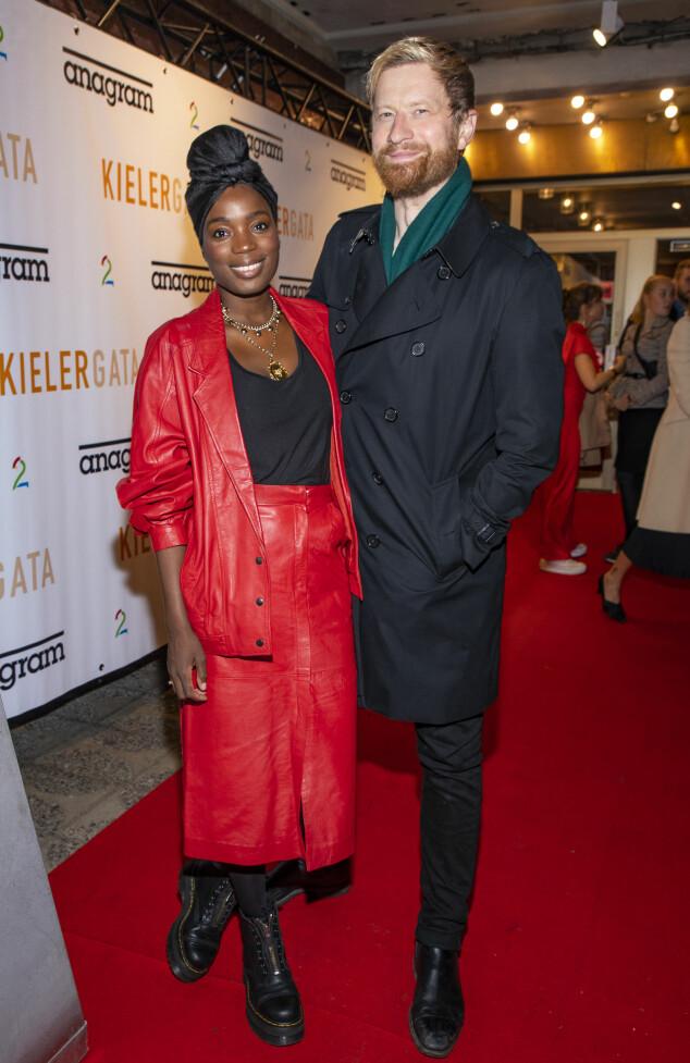 STILIG PAR: Tinashe (34) og ektemannen Odd-Magnus Williamson (38) hadde ordnet seg barnevakt, og gledet seg til en hyggelig kveld med venner og skuespillerkolleger. Foto: Tor Lindseth/ Se og Hør