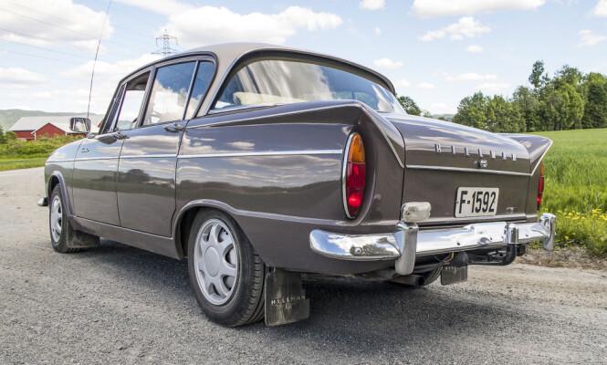 <strong>FAMILIEBIL:</strong> I 1961 kom Hillman Super Minx kom i 1961 og var Bilen for storfamilien. litt større enn Minx'en, og skulle romme tre barn og bagasje til fem. Foto: Inger Nedberg