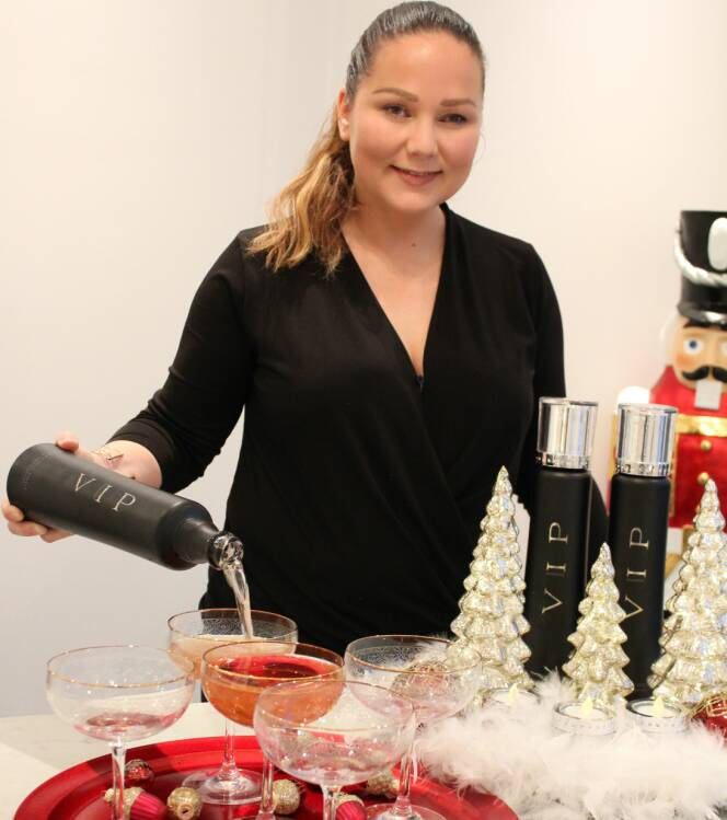 FØRSTE PRODUKT: Med det første produktet lansert var Constances drøm oppfylt. FOTO: Privat