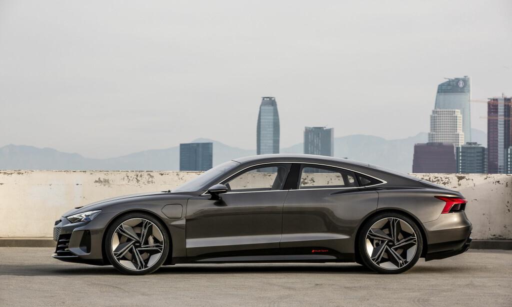 GRAN TURISMO: I profil er ikke Audi e-tron GT concept helt ulik dagens Audi A7 Sportback. Foto: Audi