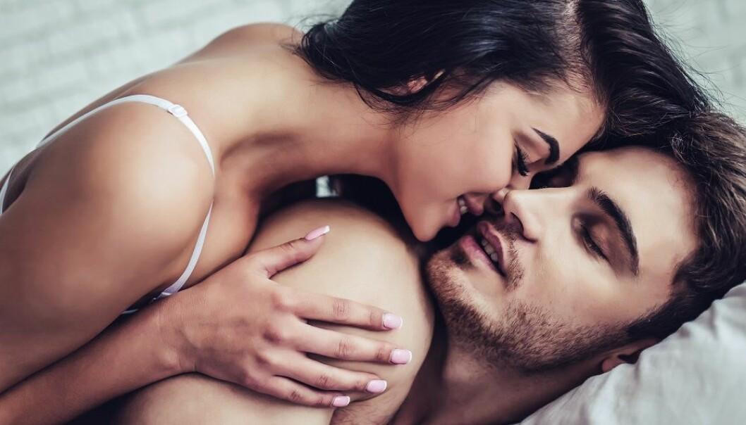 ÅPEN: 50% av nordmenn oppgir at de snakker med partneren sin om sine seksuelle fantasier, ifølge undersøkelse. FOTO: Shutterstuck