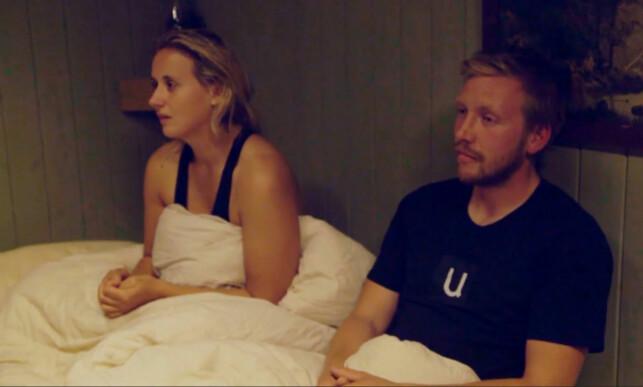 FÅR VITE SANNHETEN: Karianne Sissener Amundsen og Kjetil Nørstebø blir filmet i sannhetsøyeblikket. Foto: TV 2