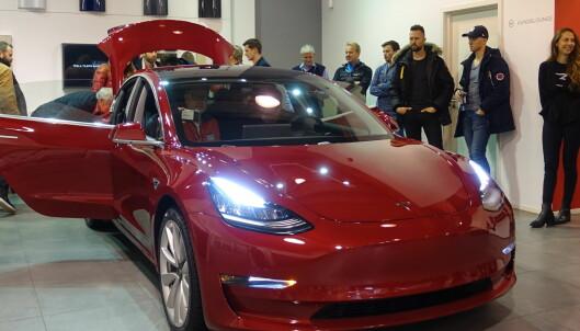 Endelig kommer Tesla Model 3, og den blir overraskende billig