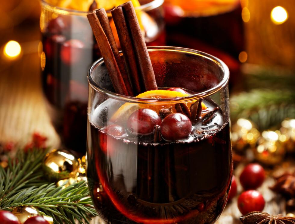GLØGG POLITIKK: KrF kan sørge for billig vin til gløggen. Foto: Shutterstuck