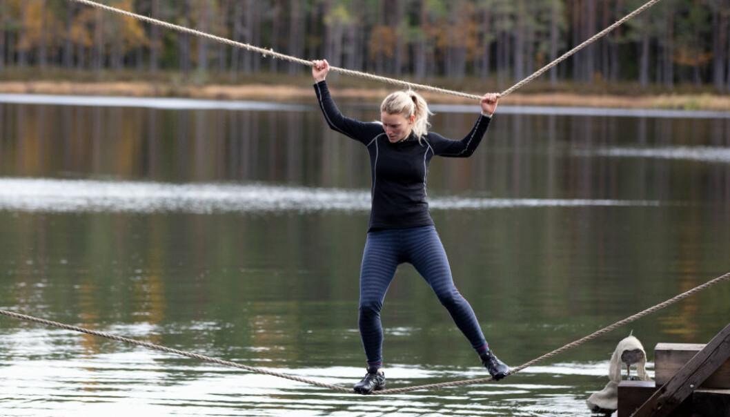 BRUKNE RIBBEIN: Lene Sleperud trosset smertene og gjennomførte hinderløya. Det holdt imidlertid ikke opp. Foto: Alex Iversen / TV 2