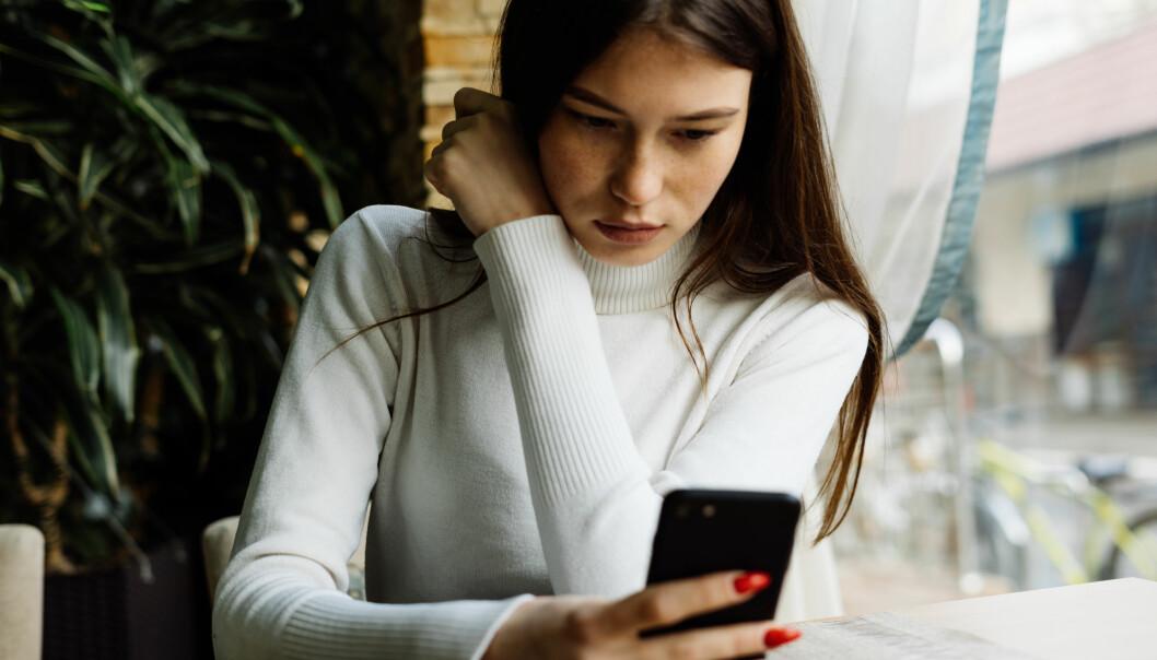 VITENSKAPELIG BEVIS: - Det er vitenskapelig bevis for at bruk av sosiale medier kan være negativt for psykisk helse, sier Ingrid Blessom, som er psykolog og sexolog ved Institutt for klinisk sexologi og terapi. FOTO: NTB Scanpix