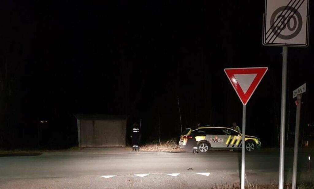 RASKT PÅ STEDET: Espen Karlsholmen hadde kontroll på sjåføren fram til politiet kom omkring ti minutter etterpå. Sjåføren hadde høy promille. Foto: Privat