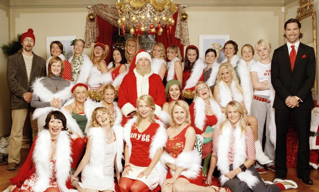 DAMETRØBBEL: 24 kvinner kjemper om julenissens gunst. Foto: TVNorge