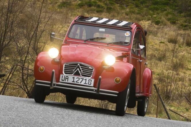 <strong>29 HESTEKREFTER:</strong> - Når jeg er alene, går bilen som en kule. Den veier bare 600 kilo, sier André Pisani. Foto: Paal Kvamme