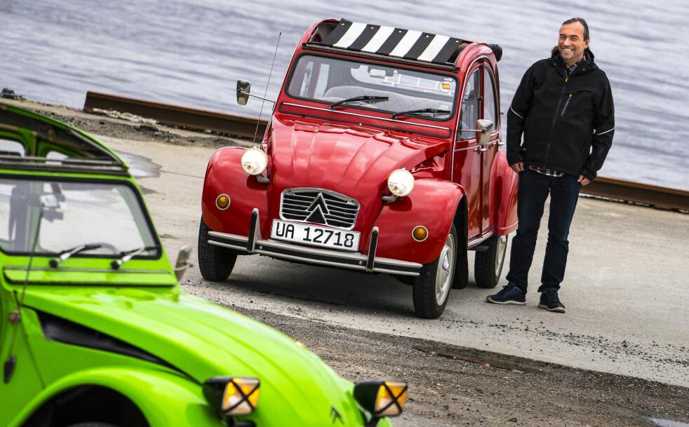 <strong>GLADGUTT:</strong> For 2CV-entusiast  André Pisani handler ikke  bilkjøring om «miles per hour»,  men om «smiles per hour». Foto: Paal Kvamme