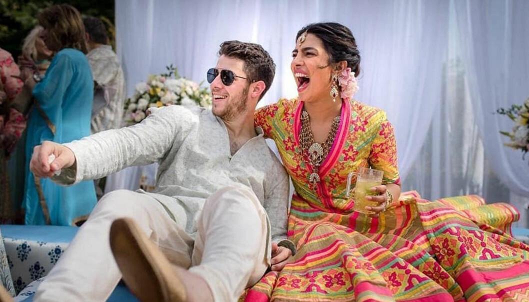 FORT I SVINGENE: Priyanka Chopra og Nick Jonas bekreftet at de var kjærester i mai, forlovet seg i juli, og giftet seg i desember. FOTO: Scanpix