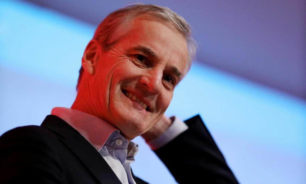 Ap-leder Jonas Gahr Støre har grunn til å smile om dagen. Partiet hans rykker kraftig fram på de ferskeste målingene og er større enn de har vært siden juni 2017. Foto: Ørn E. Borgen / NTB scanpix