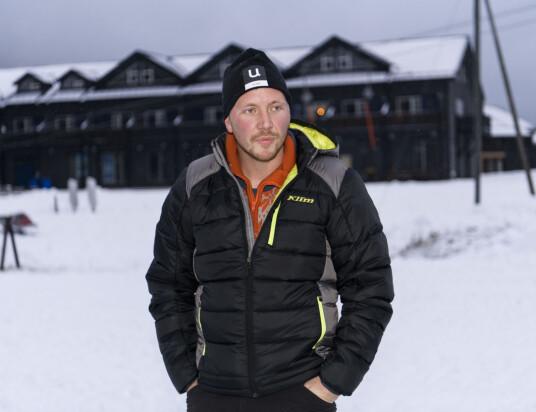 HJEMME IGJEN: «Farmen»-finalen har skapt mye hodebry for Kjetil de siste månedene. Her foran skisenteret hjemme i Uvdal. Foto: Lars Eivind Bones / Dagbladet