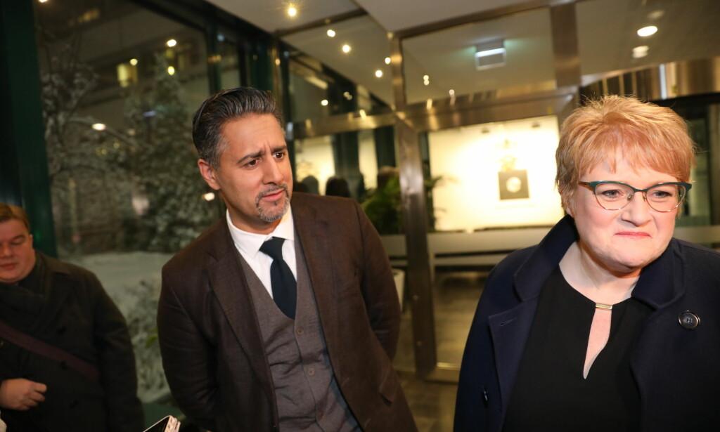 KULE VARMT: Den siste månedene har det - igjen - gått ei kule varmt mellom Venstre-leder Trine Skei Grande og partifelle og stortingsrepresentant Abid Raja. Her er de to i 2017. Foto: Christian Roth Christensen / Dagbladet