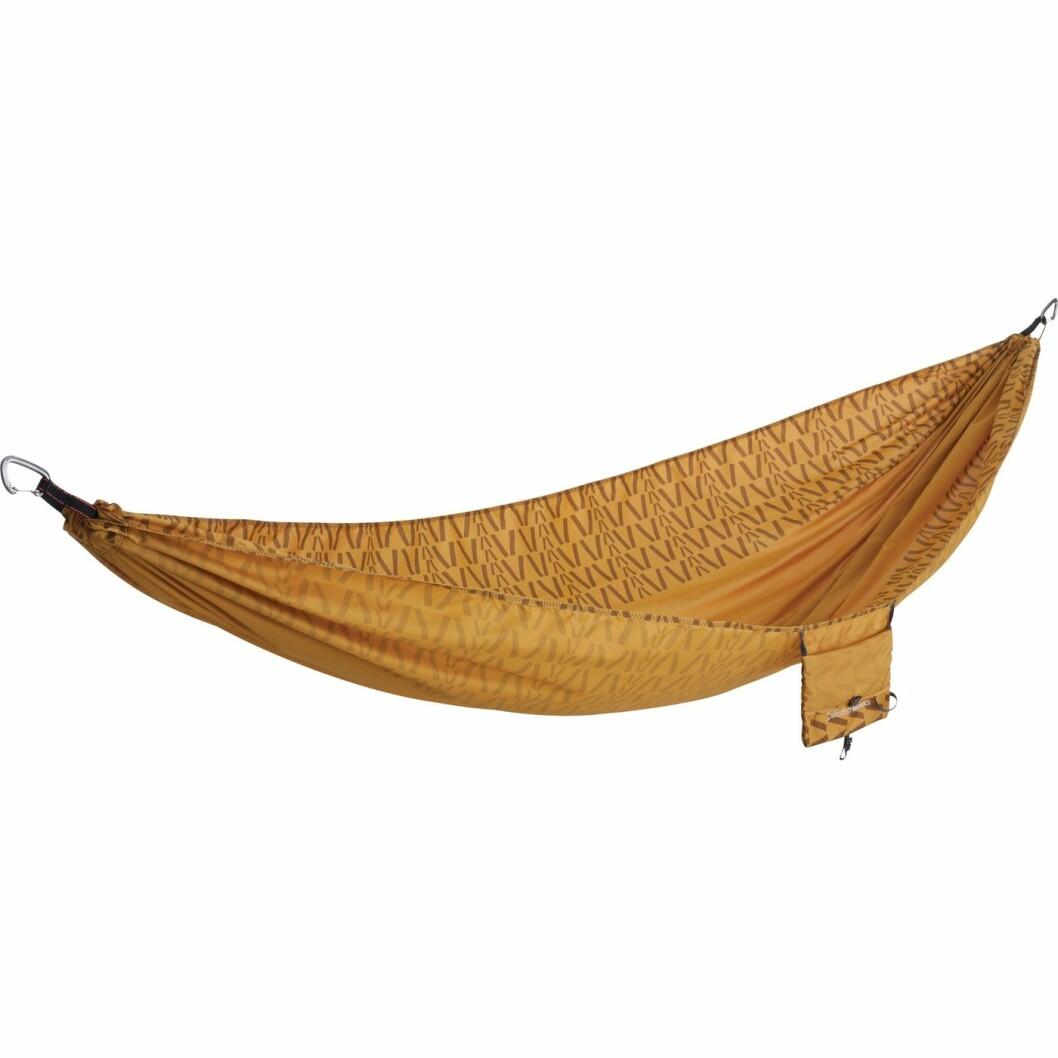 Hengekøye |899,-| https://www.xxl.no/therm-a-rest-slacker-hammock-singel-curry-print-brun/p/1139172_1_style