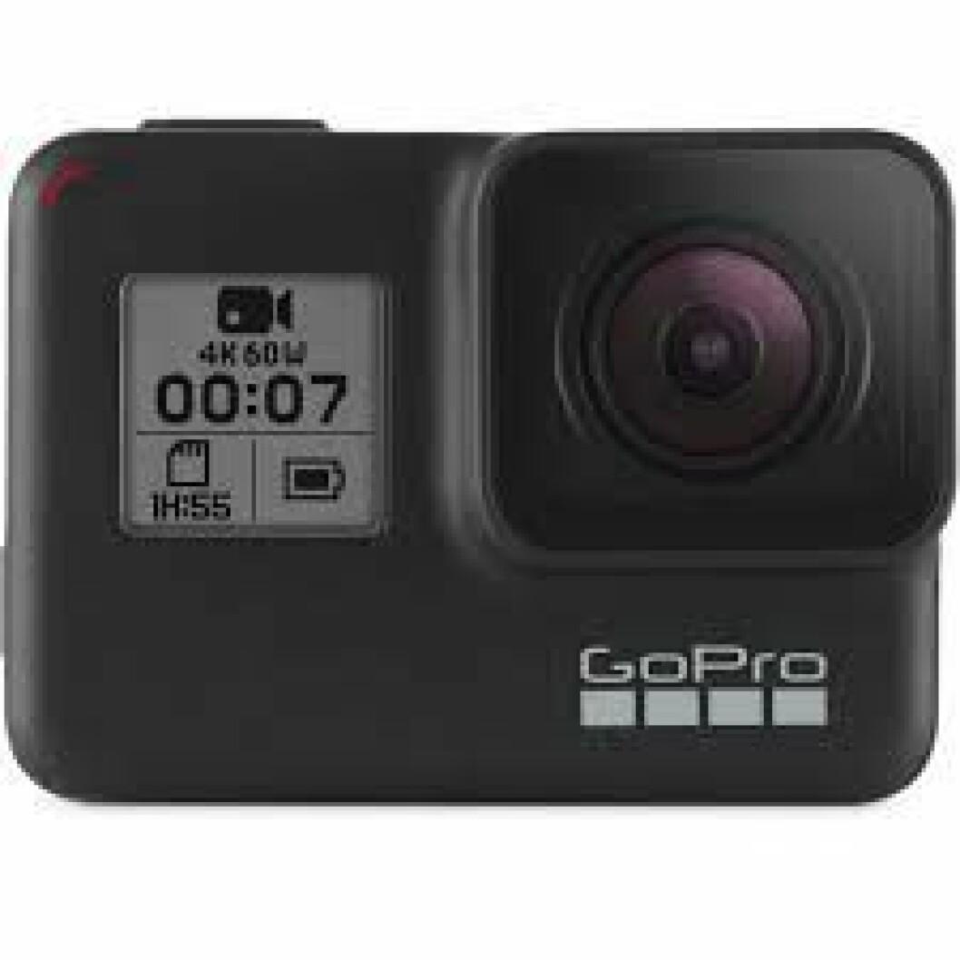 GoPro |4389,-| https://www.elkjop.no/product/foto-og-video/actionkamera/10036/gopro-hero-7-black-actionkamera
