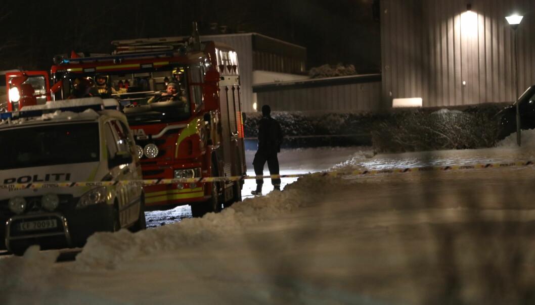 I TILFELLE EKSPLOSJON: Bru forklarer at brannbilen er tilkalt rutinemessig i tilfelle noe skal eksplodere.