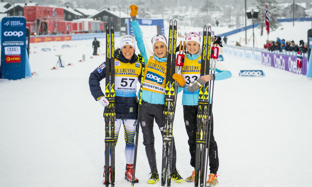 SUVEREN: Therese Johaug vant dagens 15 kilometer over minuttet foran Charlotte Kalla og Ingvild Flugstad Østberg. Foto: NTB Scanpix