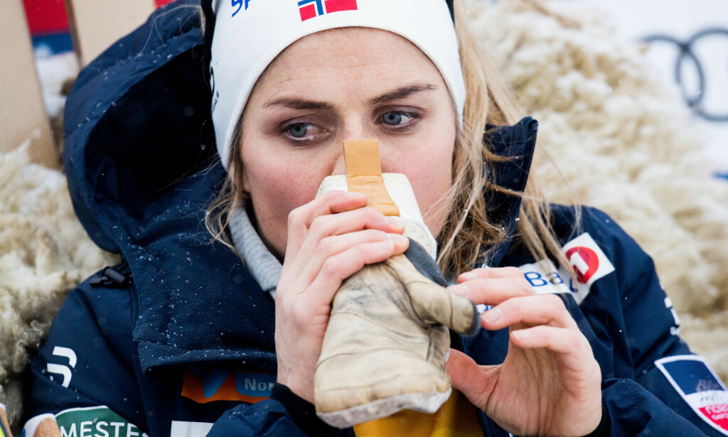 SPESIELLE BILDER: Therese Johaug røper nå hvorfor hun satt slik etter målgang. Foto: Bildbyrån