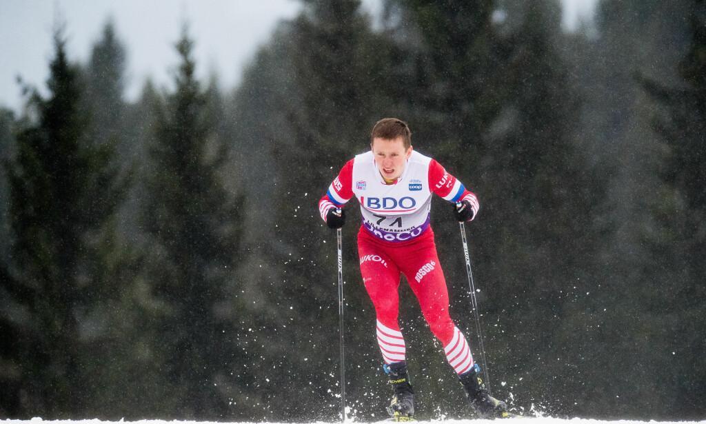 SPESIELL DAG PÅ JOBBEN: Denis Spitsov slet med magen under dagens tremil og måtte spy to ganger på Beitostølen. Da fikk han opp farta. Foto: Bildbyrån