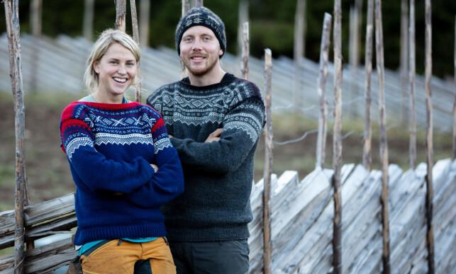 UVENNER: Tonje Frøystad Garvik og Kjetil Nørstebø knyttet nære bånd gjennom «Farmen»-innspillingen. I dag er de ikke lenger på talefot. Dette bildet er tatt på finaledagen, timer før Kjetil rømte til skogs. Foto: Alex Iversen / TV 2