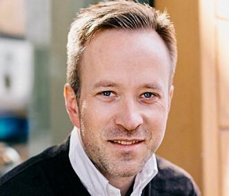 <strong>HJERTEFORFATTER:</strong> Jørgen Gravning har doktorgrad innen hjertemedisin, og har skrevet bok om hjertet. Foto: Aschehoug