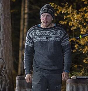 <strong>PÅ VEI UT:</strong> Se og Hør var til stede under opptaket av «Farmen»-finalen i Finnskogen utenfor Kongsvinger. Her er han på vei ut av bildene. Foto: Tore Skaar