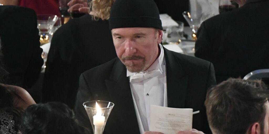 image: Reagerer på Nobel-antrekket: - Etikettebrudd på det groveste