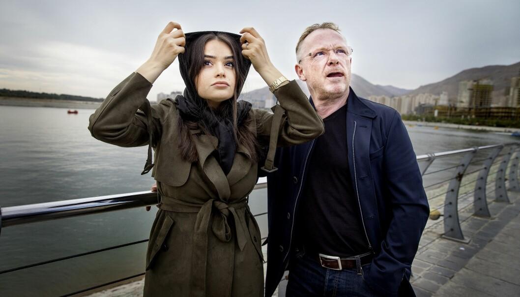 <strong>NYE ROLLER:</strong> Bahareh Leknes og Per Sandberg tar stadig på seg nye roller i offentligheten. Nå også som julenisse for Klassekampen. Foto: Henning B. Lillegård