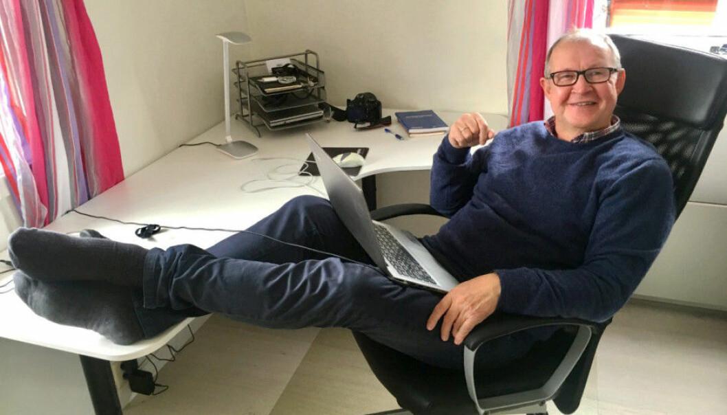 <strong>HJEMMEKONTOR:</strong> - Det kunne blitt med AFP og blanke ark, men slik gikk det ikke, sier journalist Knut-Erik Mikalsen (62). Han har startet egen nettavis og enkeltpersonforetak. Foto: Privat