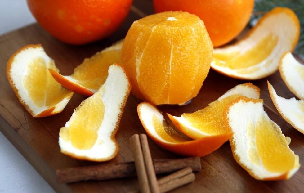 BRUK BÅDE KJØTTET OG SKALLET: Den friske, syrlige appelsinen skjærer gjennom fettet, en oppkvikkende hvilestein midt i all fråtsingen. Foto: Mette Randem