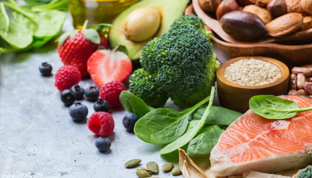 SUNN: Man kan generelt forebygge mange helseproblemer ved å spise sunt. Foto: Shutterstock