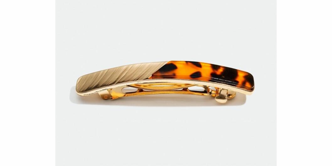 <strong>Spenne fra Glitter |100,-| https:</strong>//www.glitter.no/harspenne-i-metall-og-skilpaddemonster
