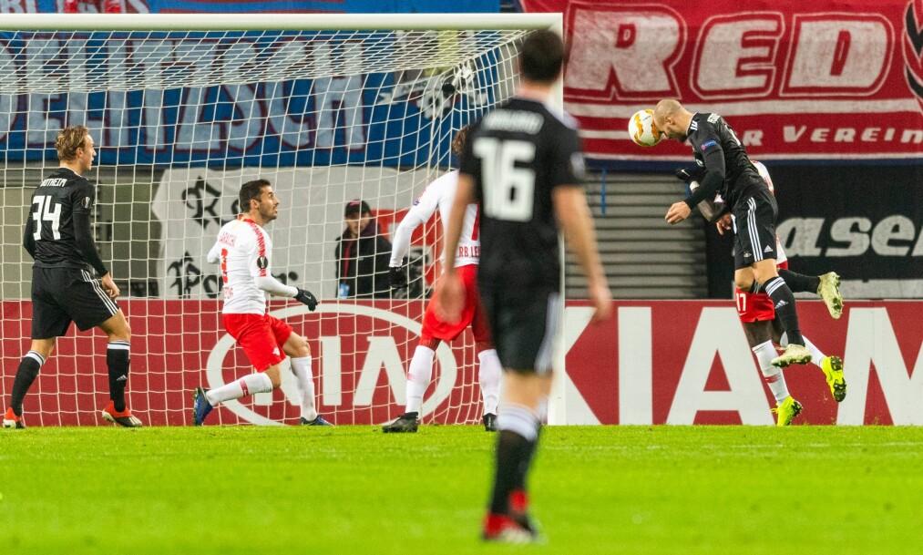 <strong>REDDET POENG:</strong> Rosenborg styrte mot null poeng i Europa League, men i det 86. minutt sikret Reginiussen ett poeng for trønderne. Foto: Robert Michael / AFP / NTB Scanpix