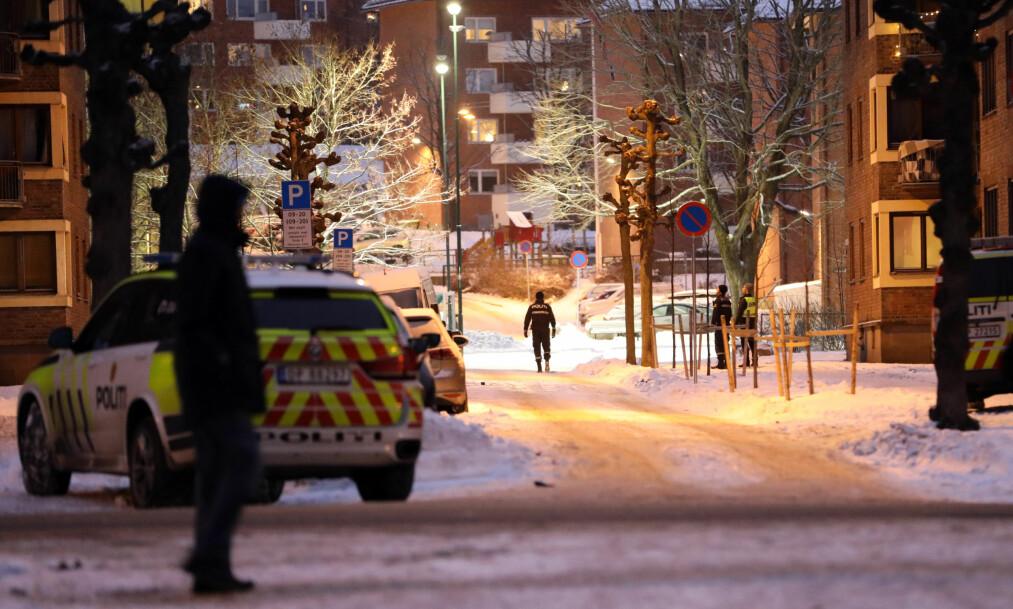 <strong>VOLDSHENDELSE:</strong> Politiet har kontroll på fire menn, etter en voldshendelse på Torshov i Oslo. Foto: Dagbladet