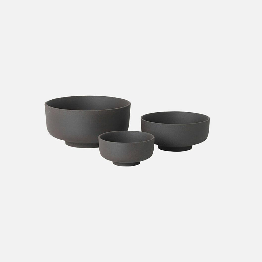 Skåler fra Ferm Living |629,-| https://www.oslodeco.no/produkt/ferm-living-sekki-bowls-charcoal-3-stk