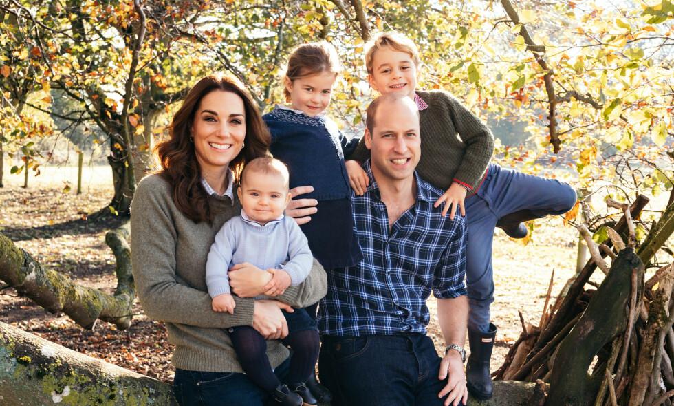FAMILIEN I SKOGEN: Hertugparet av Cambridge lever hektiske liv. Nå åpner hertuginne Kate opp om hvordan det er å være mor til tre små krabater. Foto: Matt Porteous / Kensington Palace / NTB Scanpix