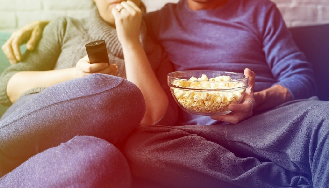 SKREKK: Å sitte i armkroken til kjæresten mens man ser en skrekkfilm kan ha en positiv effekt. Foto: Scanpix.