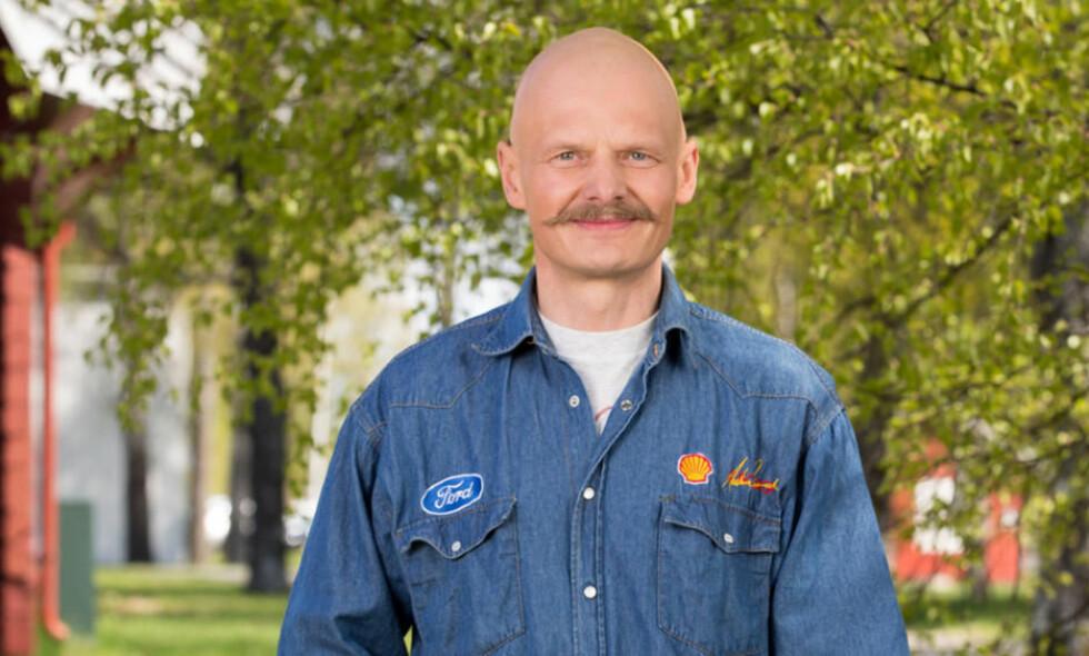 DØD: Den tidligere «Jakten på kjærligheten»-bonden Arne-Egil Botnan er død. Foto: TV 2