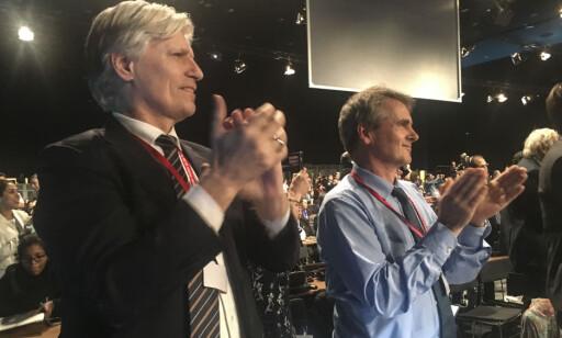 FORNØYD: Klima- og miljøminister Ola Elvestuen og Norges forhandlingsleder Henrik Eriksen. Foto: Jo Randen / KLD / NTB Scanpix