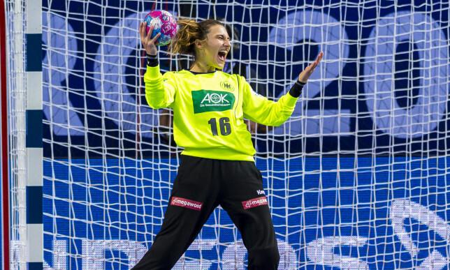 SEIRET: Tyskland vant mot Norge etter redning i sluttminuttene av åpningskampen. Redningen fra Isabell Roch viste seg å sende Norge ut av EM. Foto: NTB Scanpix